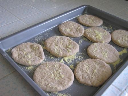 english-muffins-rising.jpg